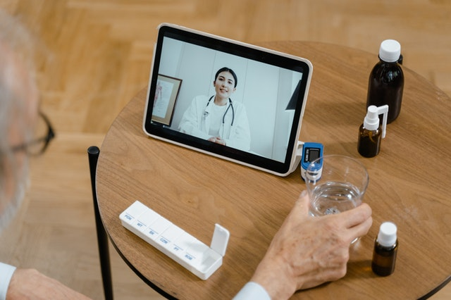 telemedicine guidance for a remote patient about their prescriptions online using viosapp
